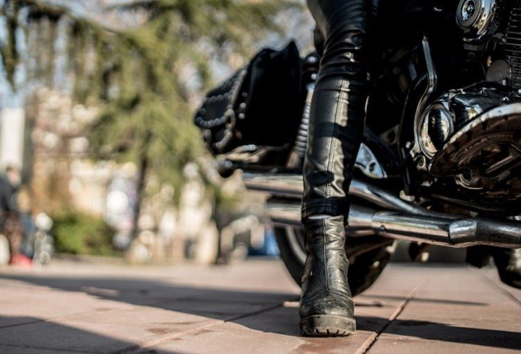 Ultimate Guide To Motorcycle Boots: Types, Features, Styles, & Prices