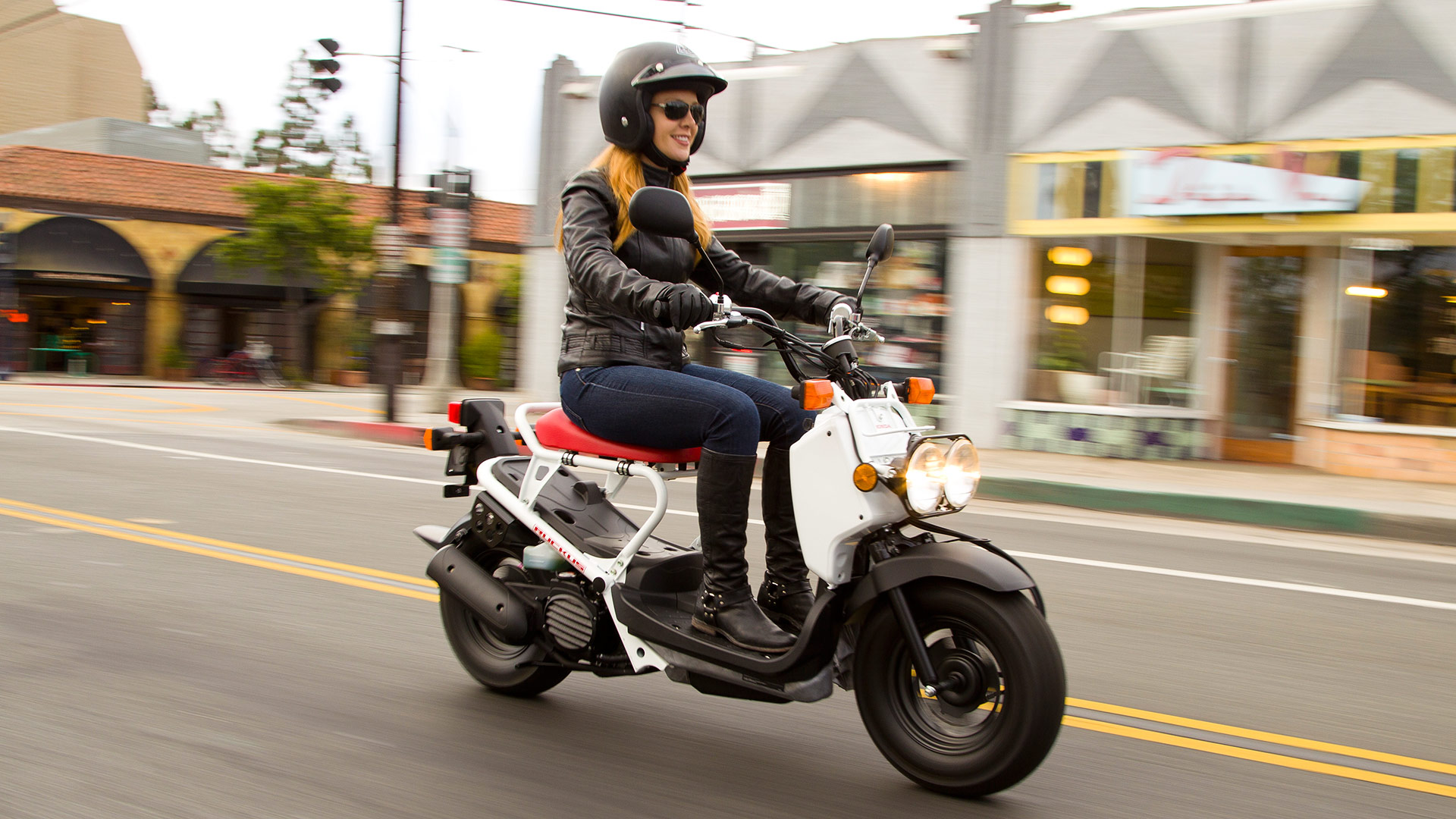 7 Reasons You Should Ride A Scooter Instead Of Motorcycle
