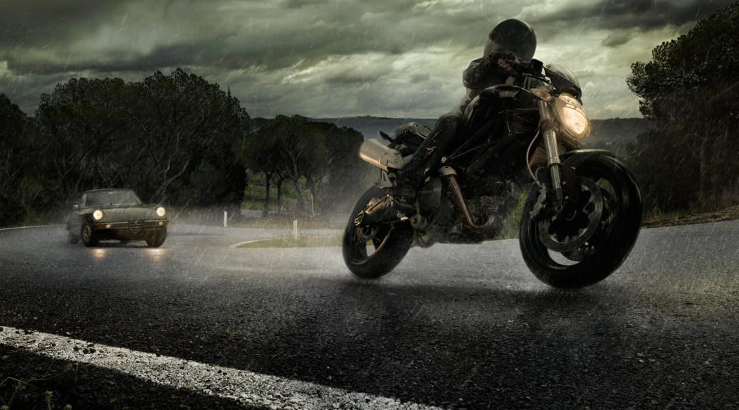 112121-alfa-romo-cars-ducati-motorbikes-rain-roads ...