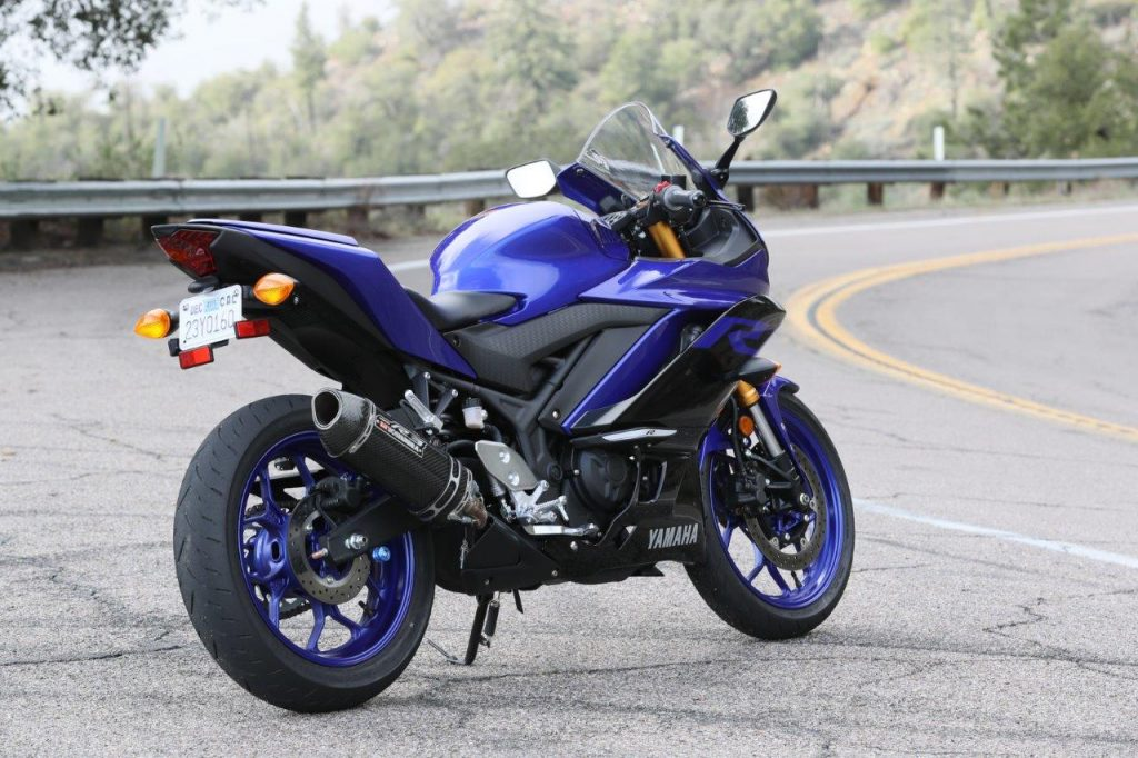 2019 Yamaha YZF-R3 full view