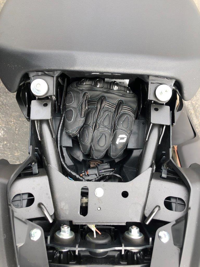 2019 Honda CB300R storage.