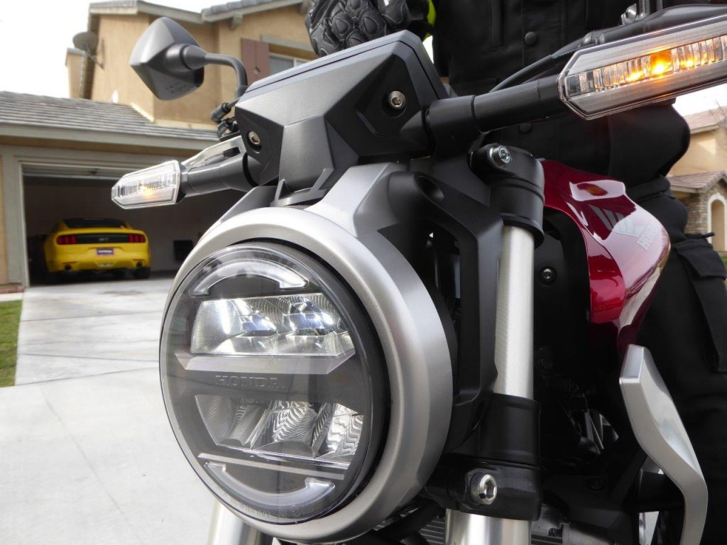 2019 Honda CB300R headlight and blinkers.