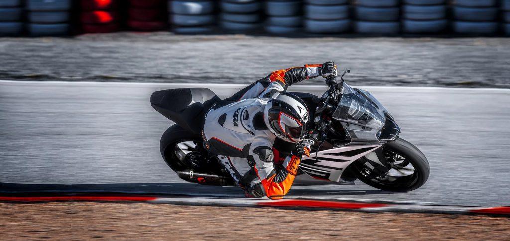 2020 KTM RC 390 on track