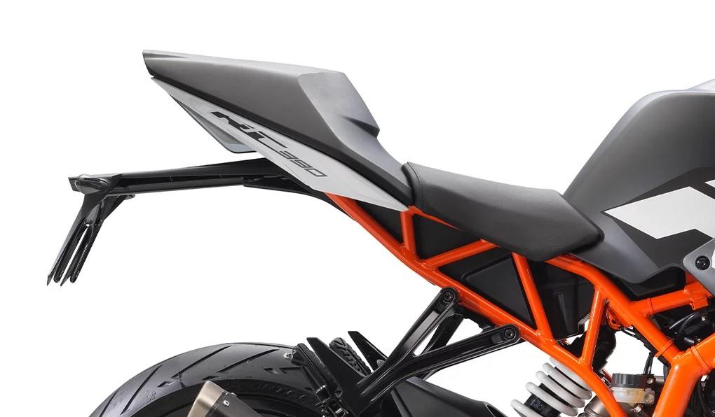 2020 KTM RC 390 seat detail