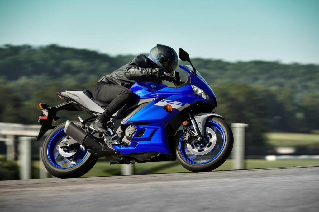 2020 Yamaha YZF-R3 on track