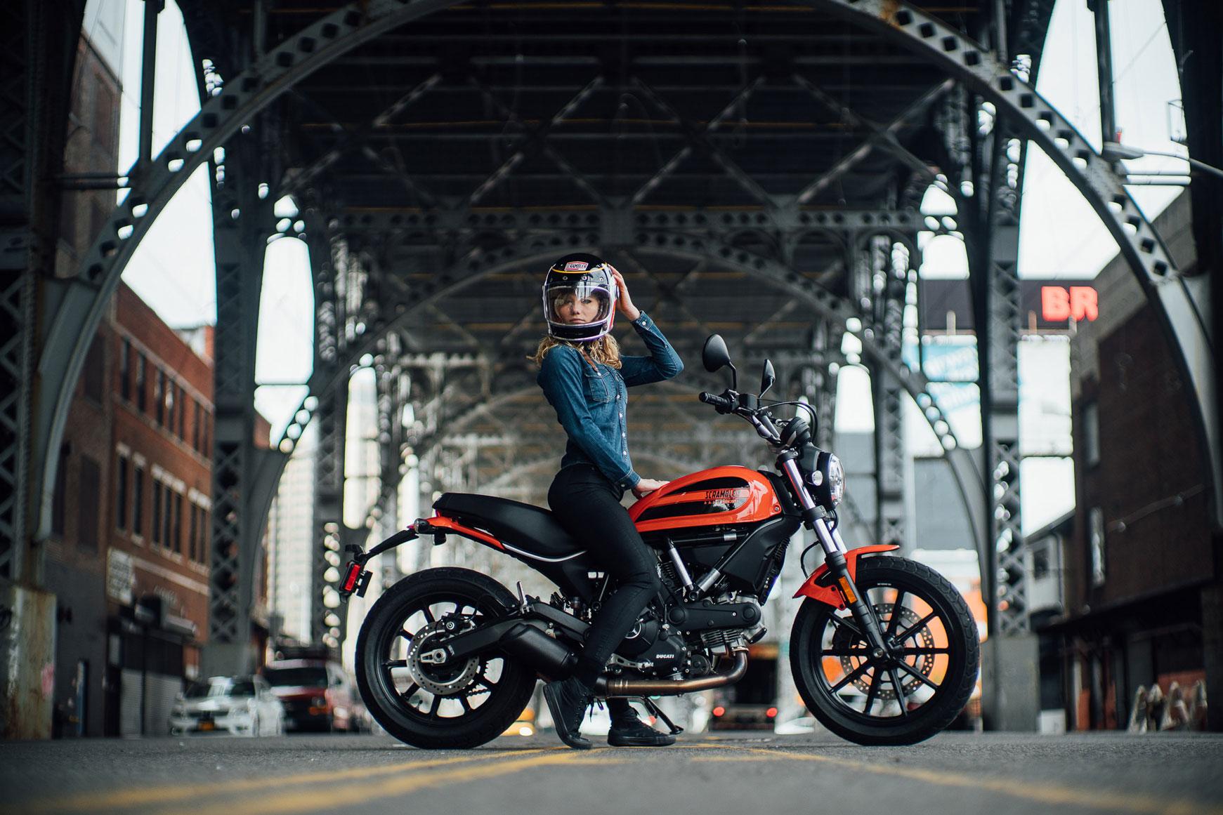Ducati Scrambler Sixty2 Female Rider