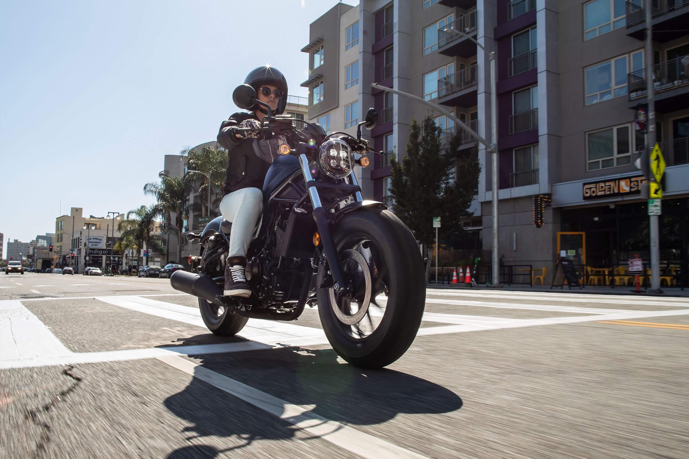 2020 Honda Rebel 300 - In the city